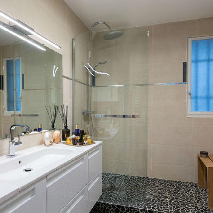 Baños Con Ducha A Ras De Suelo:Presupuesto Instalar o Cambiar Bañera o Ducha ONLINE – Habitissimo