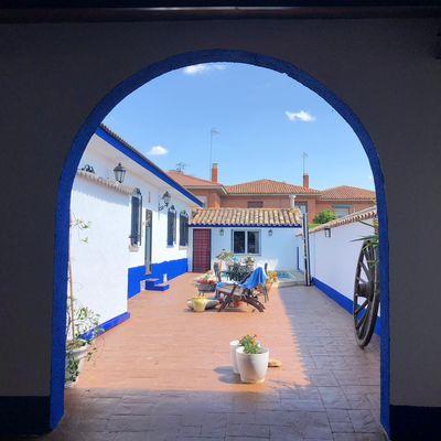 Pintar el patio interior de color