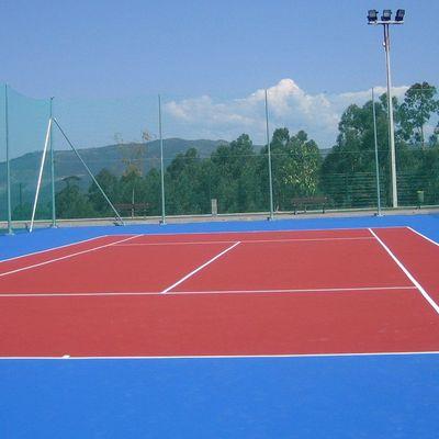 Construcción de pista de pádel y tenis
