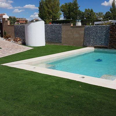Reforma del alicatado de la piscina