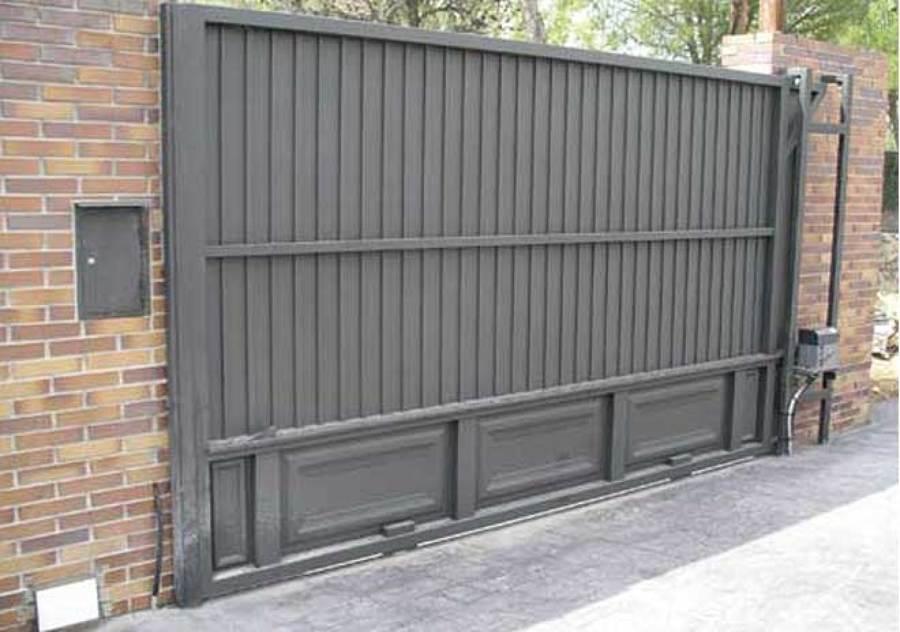 Presupuesto puertas garaje online habitissimo for Como hacer una puerta de metal