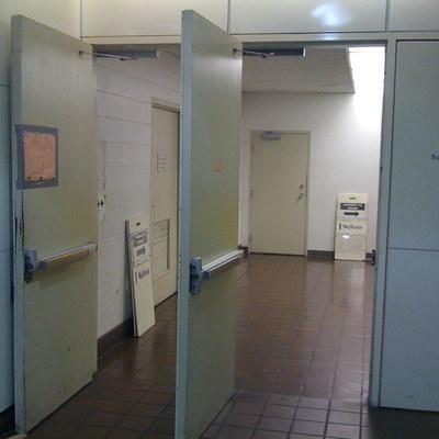 Cerca de ascensores