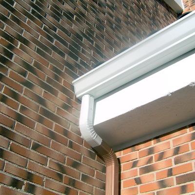 Posibles humedades por filtraciones del agua en paredes y techos