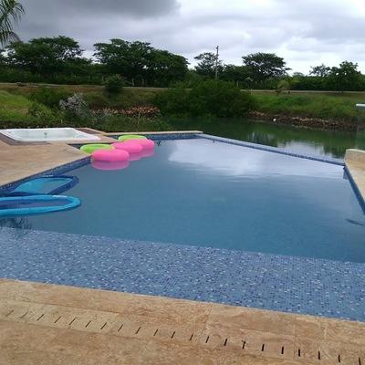 Jacuzzis integrados en la piscina
