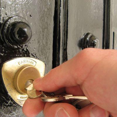 La llave gira, pero no abre