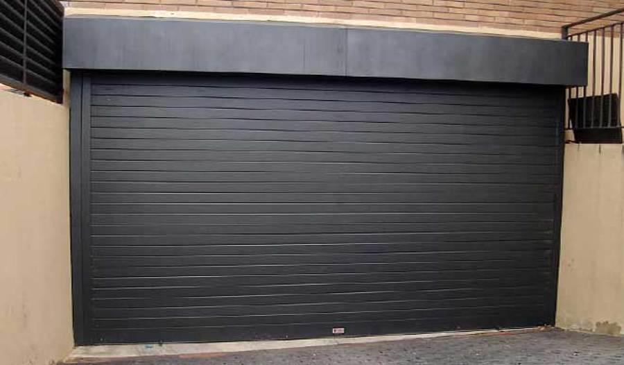 Presupuesto puertas garaje online habitissimo for Puerta garaje metalica