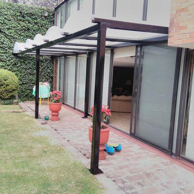 Cubiertas de policarbonato para patios