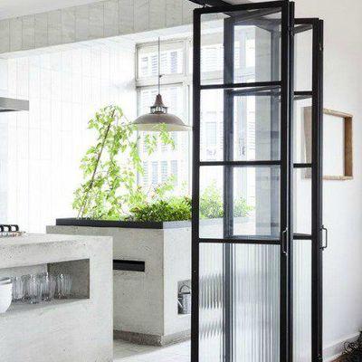 Muebles para pisos con perfil recto o curvado