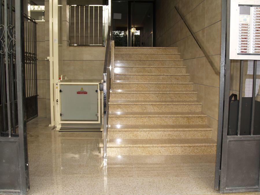 Limpieza del portal, escaleras y rellano