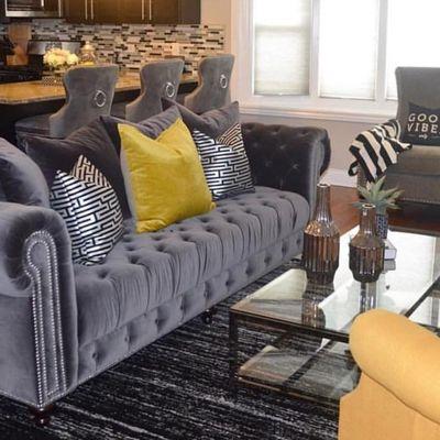 Sofá de estilo antiguo