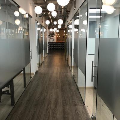 Reformar la iluminación de la oficina