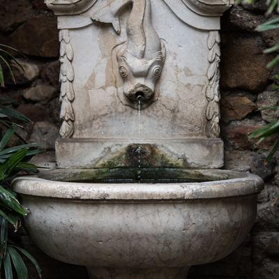 Instalar fuentes y elementos de agua
