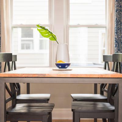 Tapas de vidrio para una mesa