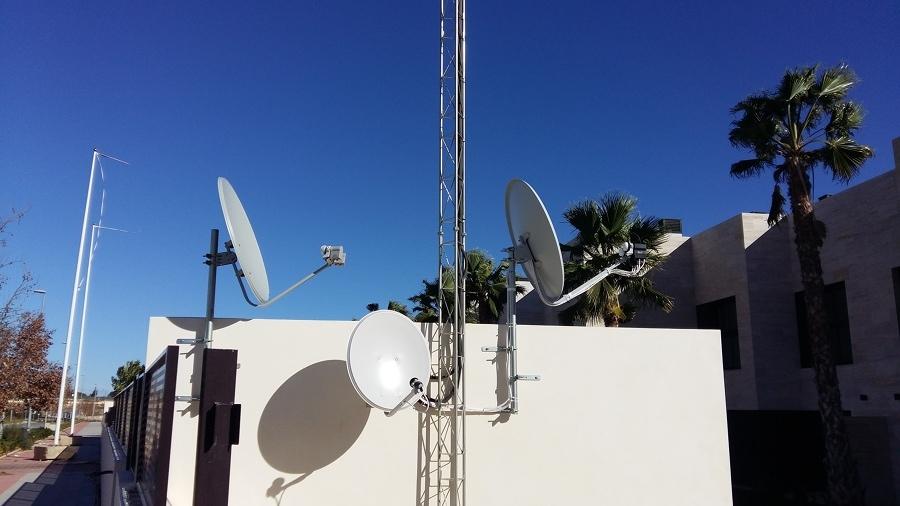 Antenas parabólicas por satélite
