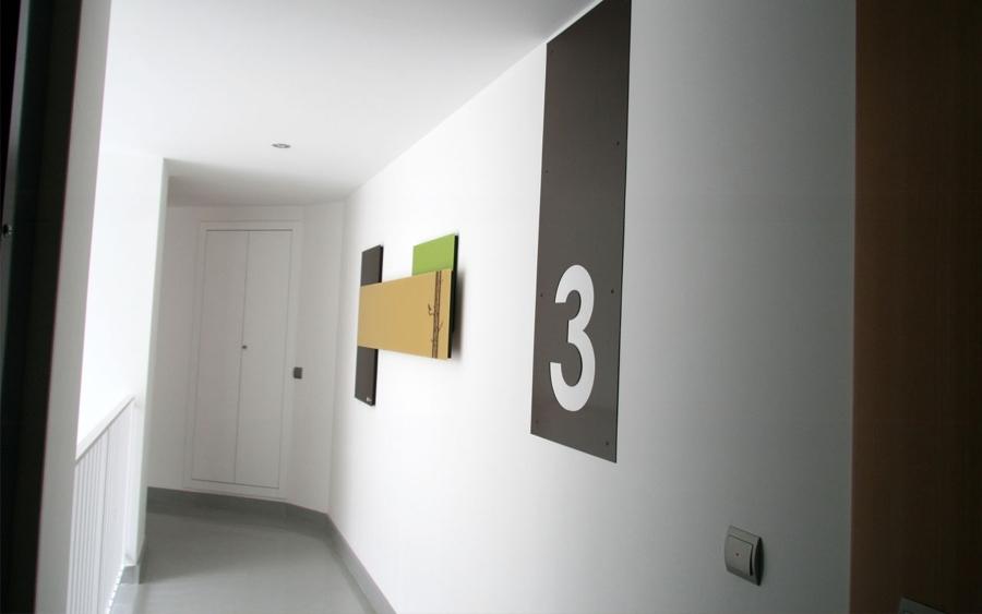 Presupuesto pintar interior edificio comunidad online for Formas de pintar paredes interiores