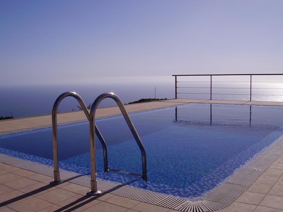 Presupuesto barandillas aluminio online habitissimo for Barandilla piscina