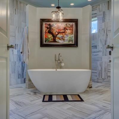 Si el baño no tiene llaves de cierre de paso independientes