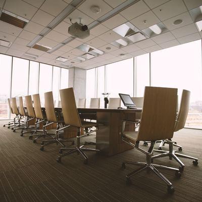 Falso techo de PVC en locales y oficinas