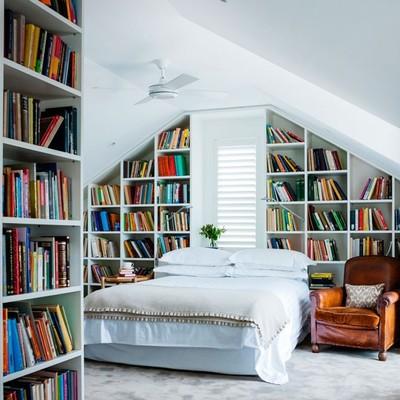 Hacer una biblioteca en la buhardilla