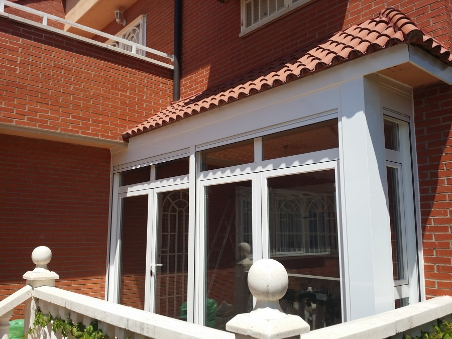 Presupuesto cerramiento terraza cristal online habitissimo for Puertas para terrazas