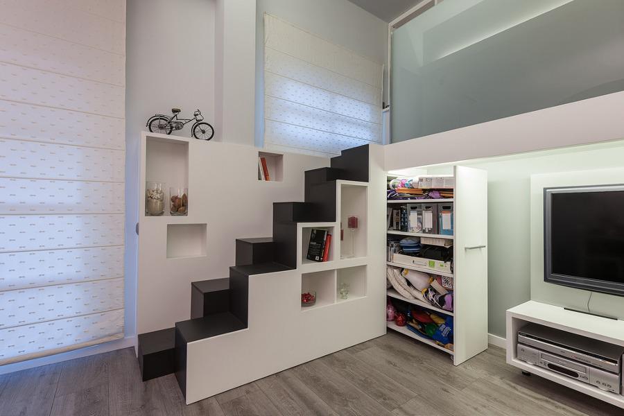 Presupuestos para cerrar escaleras habitissimo for Armarios empotrados en huecos de escaleras