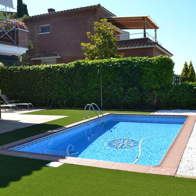 C sped artificial precio e instalaci n habitissimo - Cesped artificial piscina ...