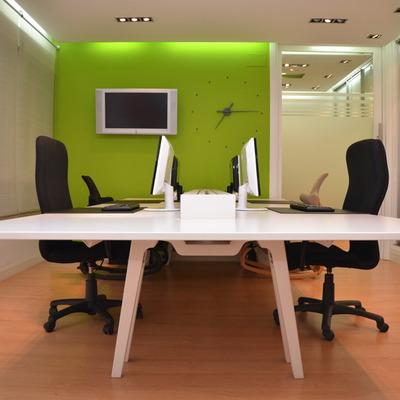 Pintar las oficinas de color verde