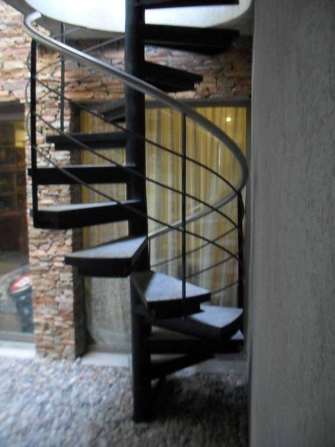 Presupuesto construir escaleras hierro online habitissimo for Escaleras metalicas homecenter