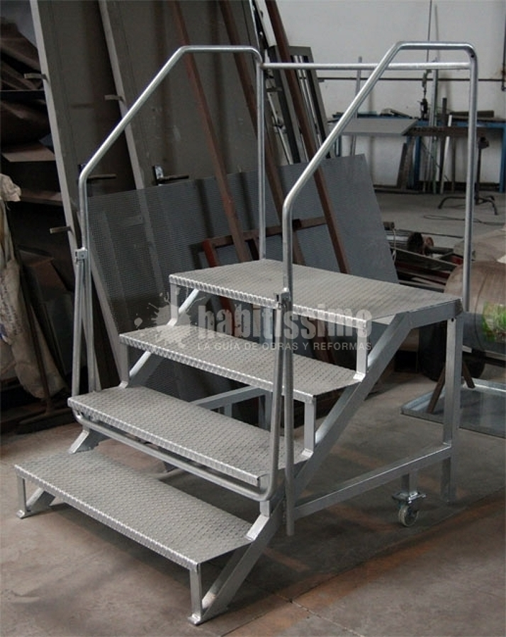 Presupuesto construir escaleras hierro online habitissimo for Como trazar una escalera de metal