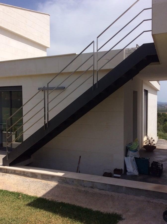C mo construir escaleras de hierro ideas y precios - Escaleras de hierro para exterior ...