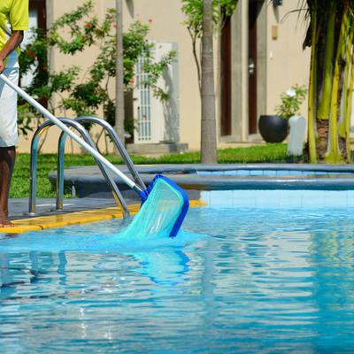 Gu a para el mantenimiento de piscinas precios y - Mantenimiento piscina hinchable ...
