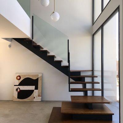 Escalera volada de madera