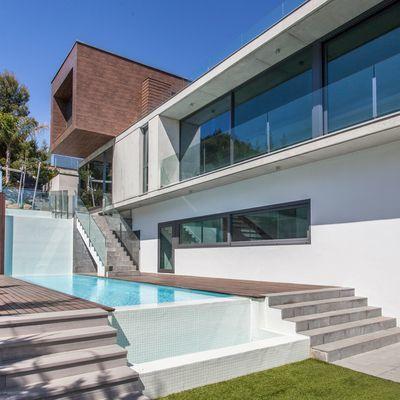 Escaleras de piscina