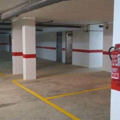 En zonas de garajes