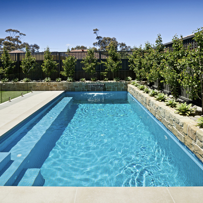 Piscinas gresite color arena mosaicos con tonos negros for Gresite para piscinas