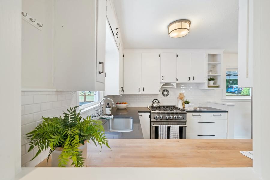 Cambiar los electrodomésticos y la grifería de la cocina