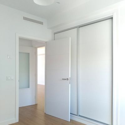 Lacar puertas de interior