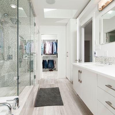Hacer un vestidor en el baño