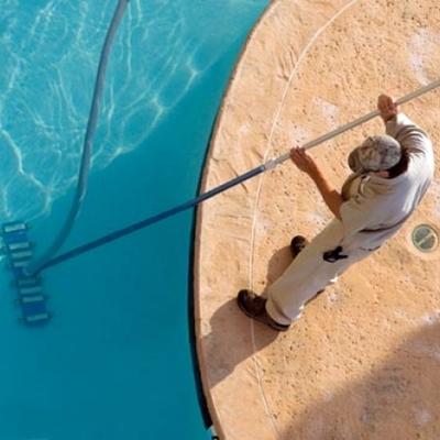Limpiar el vaso de la piscina