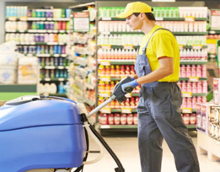Limpieza periódica del local comercial en general