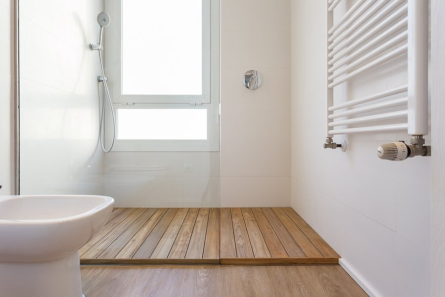Poner madera sintética