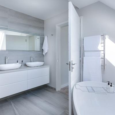 Colocar un mueble bajo el lavabo