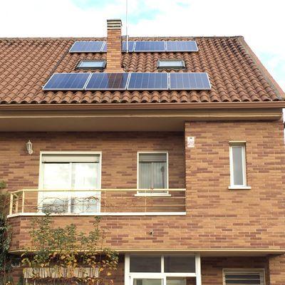Paneles solares decolorados