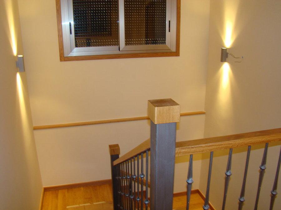 Presupuesto pintar interior edificio comunidad online habitissimo - Como decorar una escalera interior ...