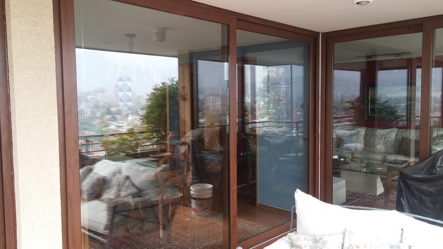 C mo pintar ventanas y marcos consejos y precios for Ventanas de pvc tipo madera