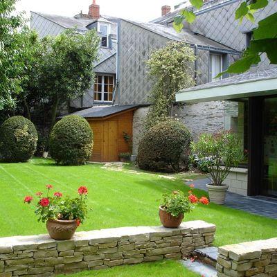 Mantenimiento de jardín y corte de césped