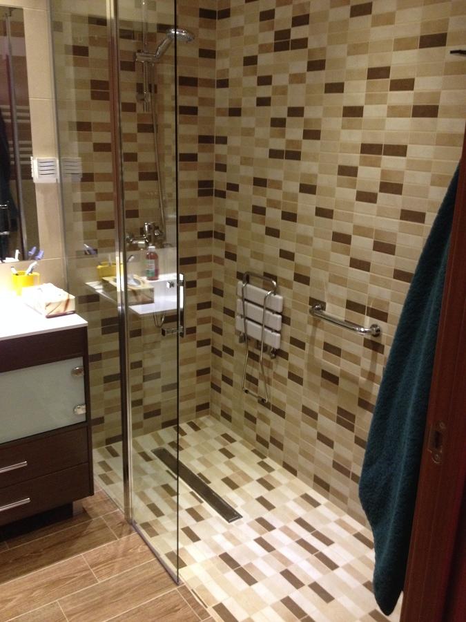 Presupuesto cambiar plato ducha online habitissimo - Como hacer plato de ducha de obra ...