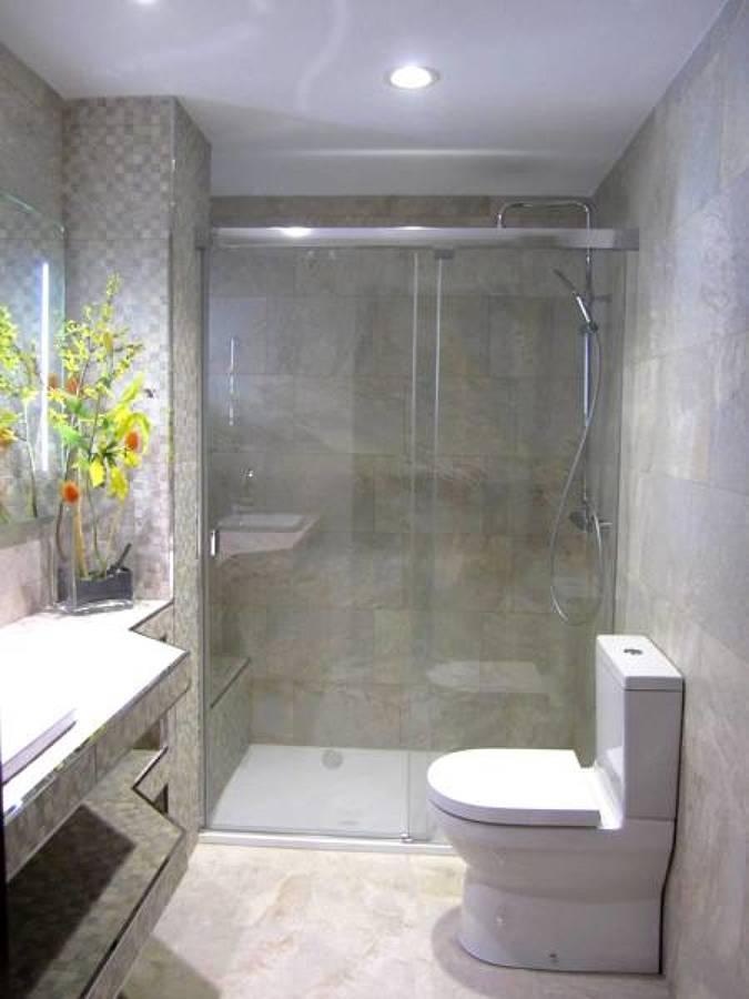 Presupuesto instalar o cambiar ba era o ducha online - Duchas con muro ...