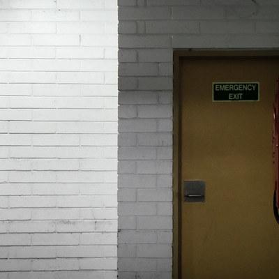 En entradas y salidas de edificios