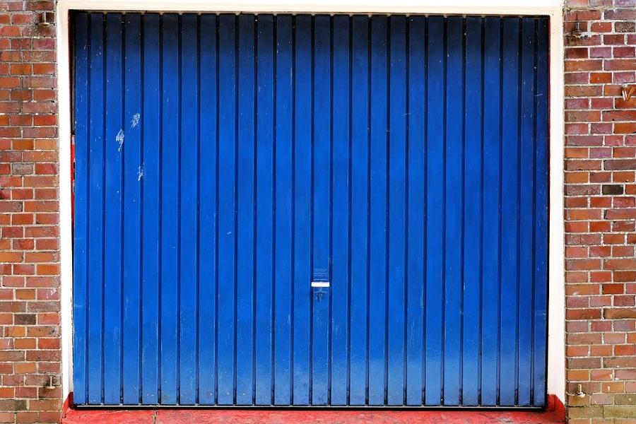 Presupuesto instalar puerta garaje automatica online habitissimo - Puerta garaje abatible ...